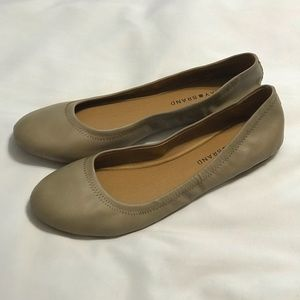 NWOT Lucky Brand Emmie Leather Flats